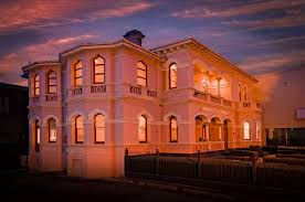 Roxburgh House